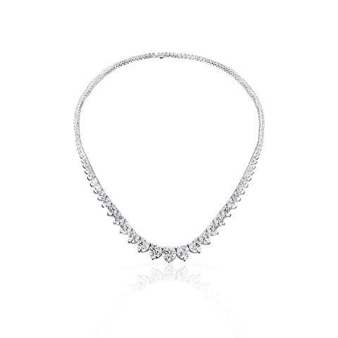 HEARTS ON FIRE – TEMPTATION THREE-PRONG DIAMOND NECKLACE
