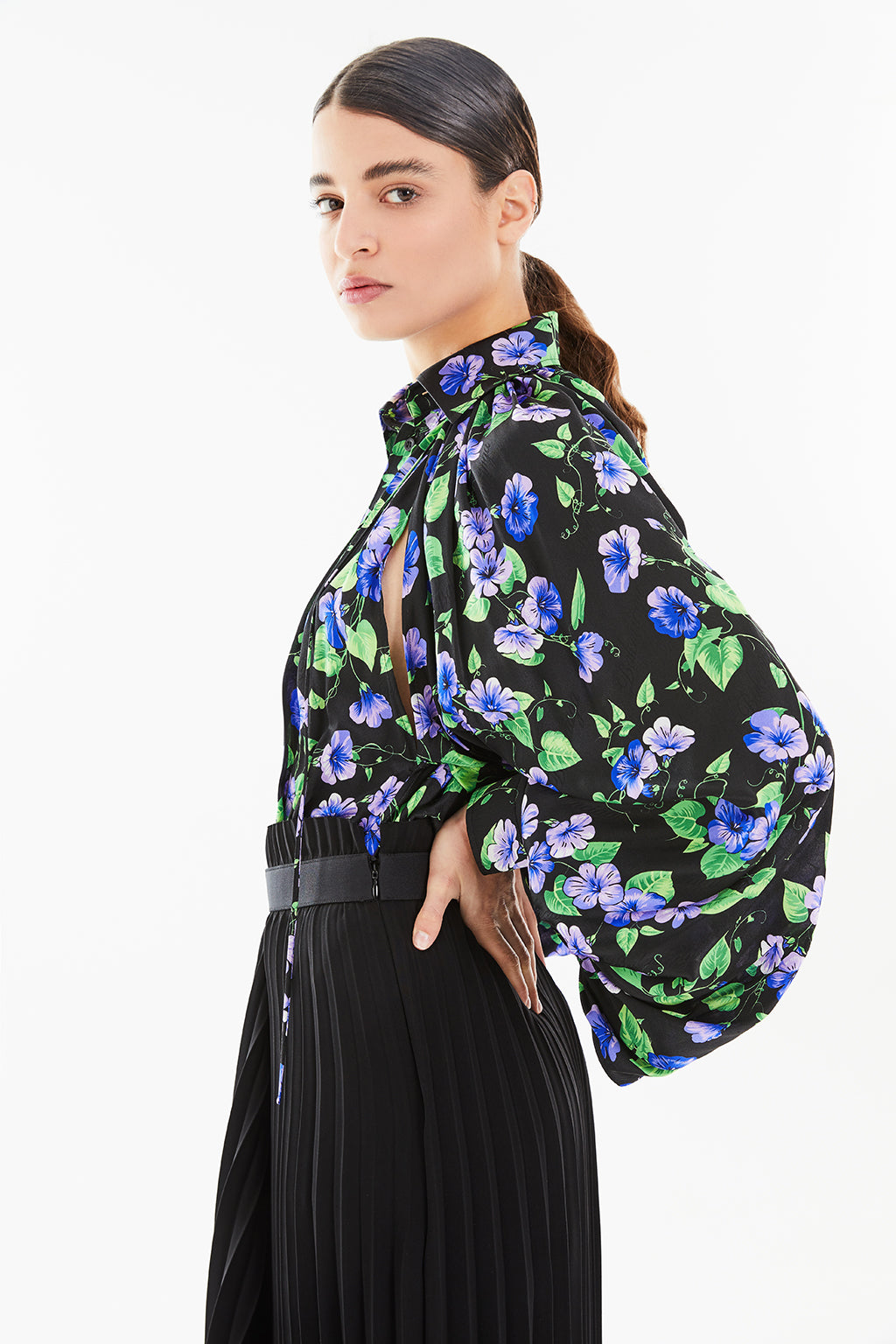 BALENCIAGA - Bell Sleeve Blouse | Black/Purple