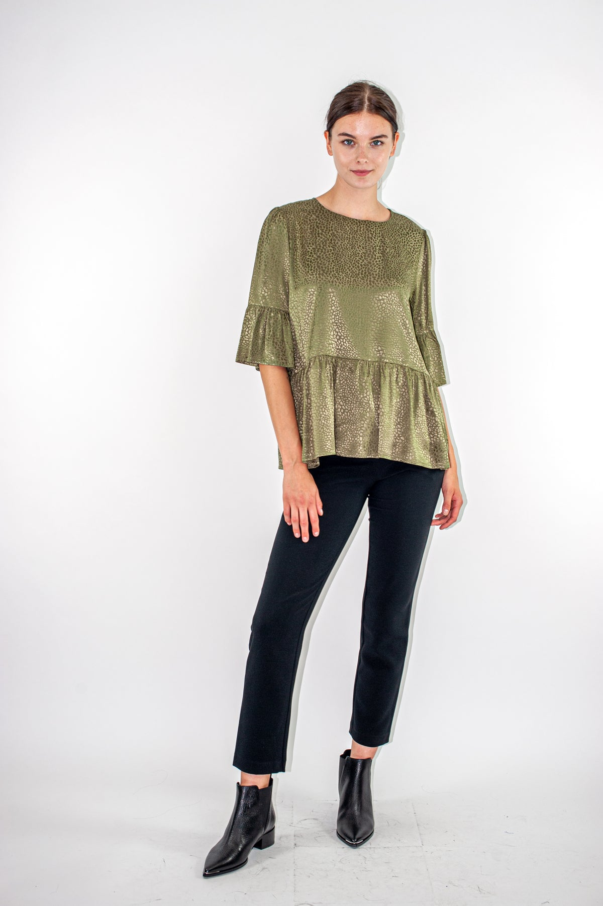 Wildwood - Bella Top | Khaki