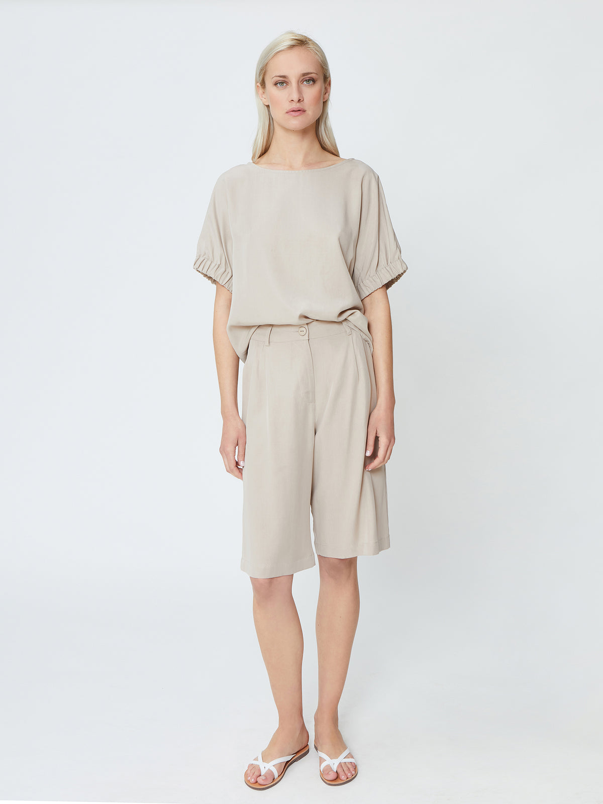 Meliti Shorts - Dove