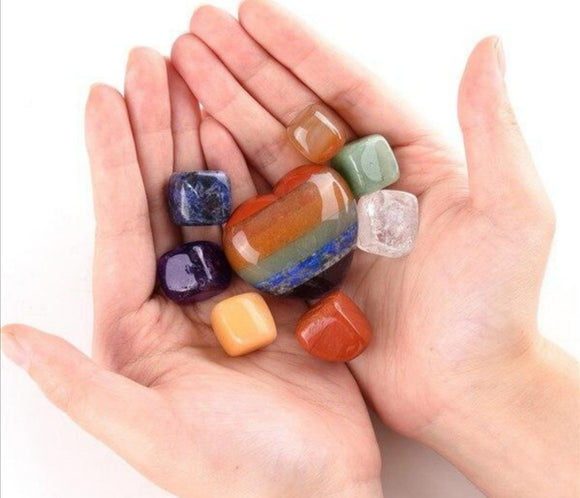 7 Chakras Heart Worry Stone With 7x Tumbled Chakra Cubes Set
