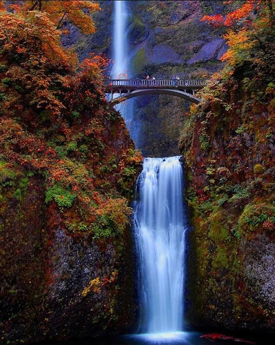 Multnomah Falls - Waterfall in Oregon - diamond-painting-bliss.myshopify.com