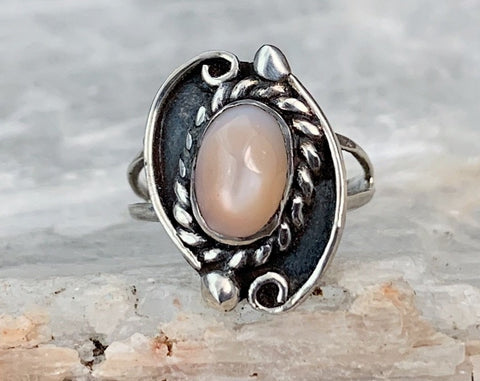 Dainty Sterling Mother of Pearl Ring, Size 3