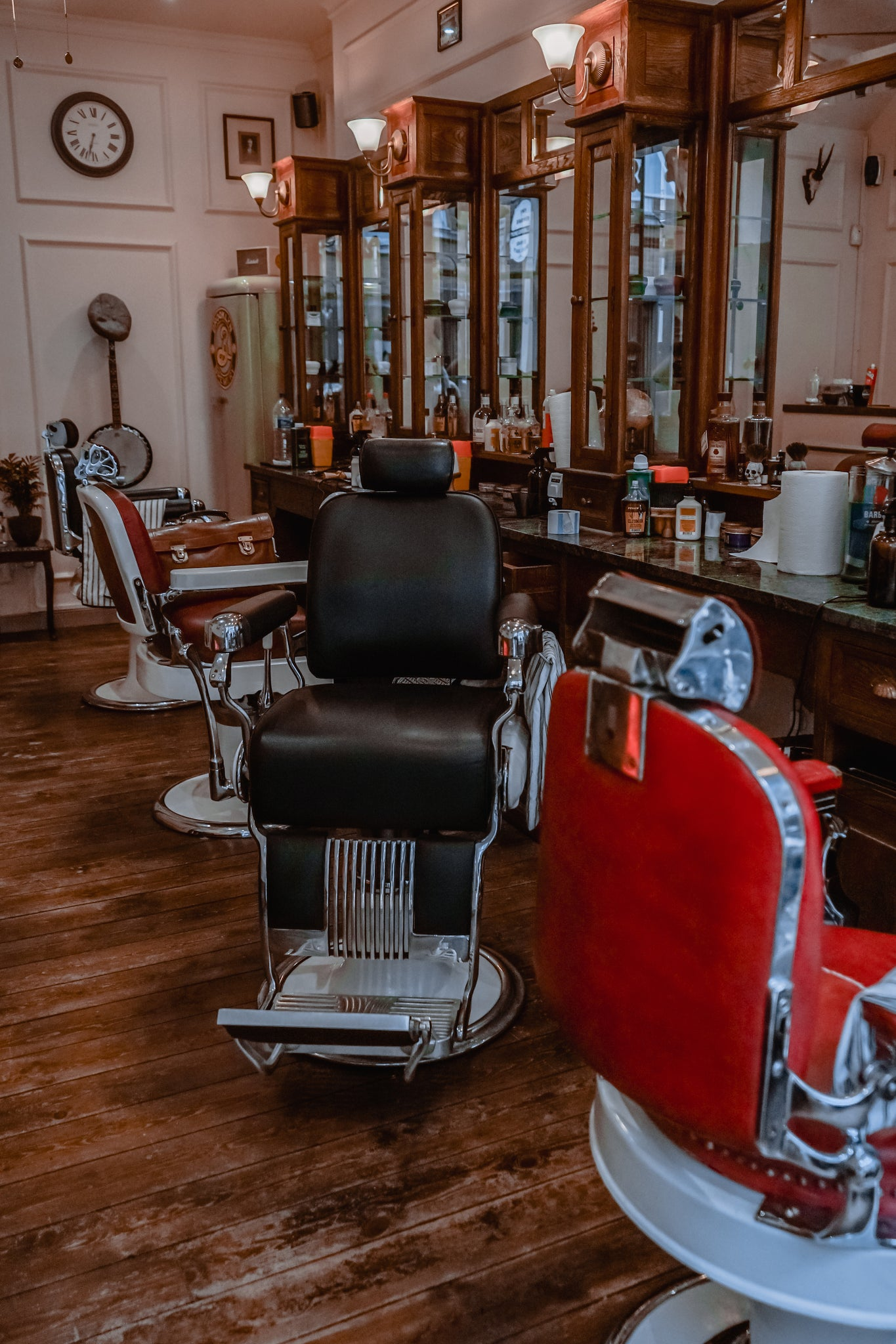 Oil Can Grooming Thy Barber Barbershop in East London