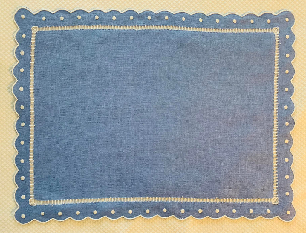 Blue and White Dot and Scalloped Placemat