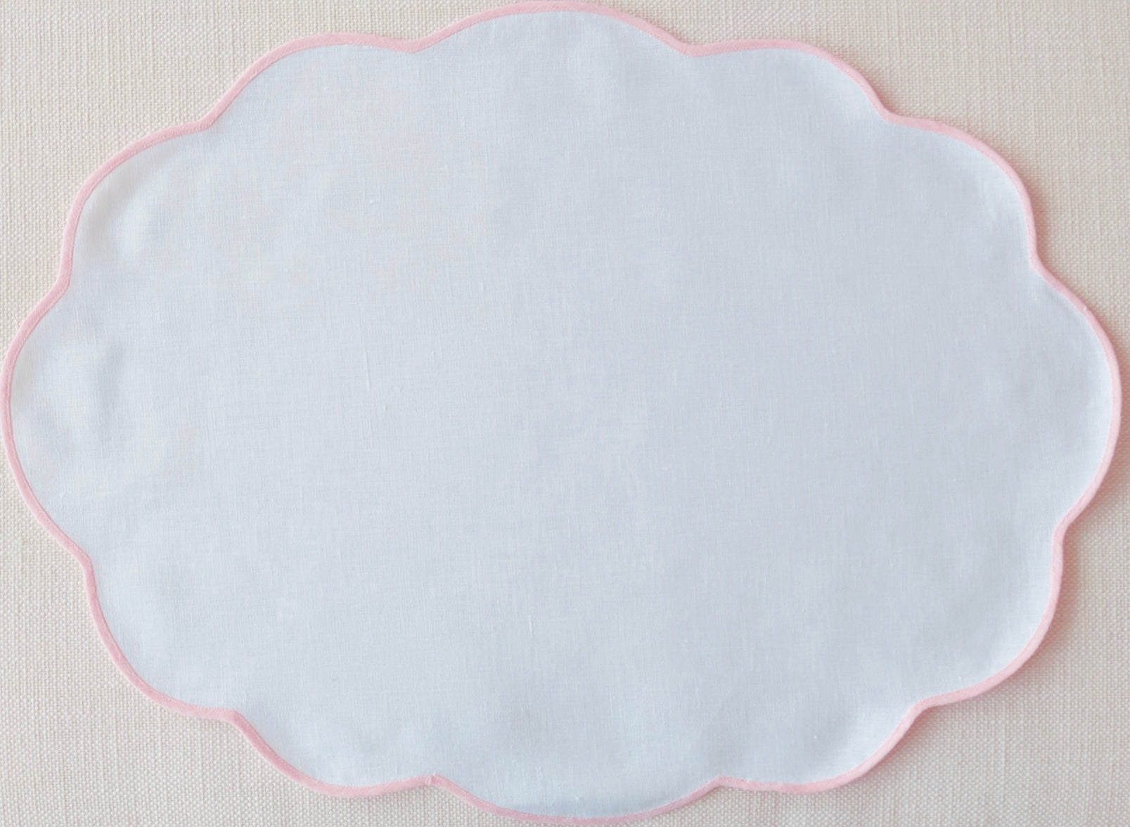 White and Pink Oval Scalloped Placemat