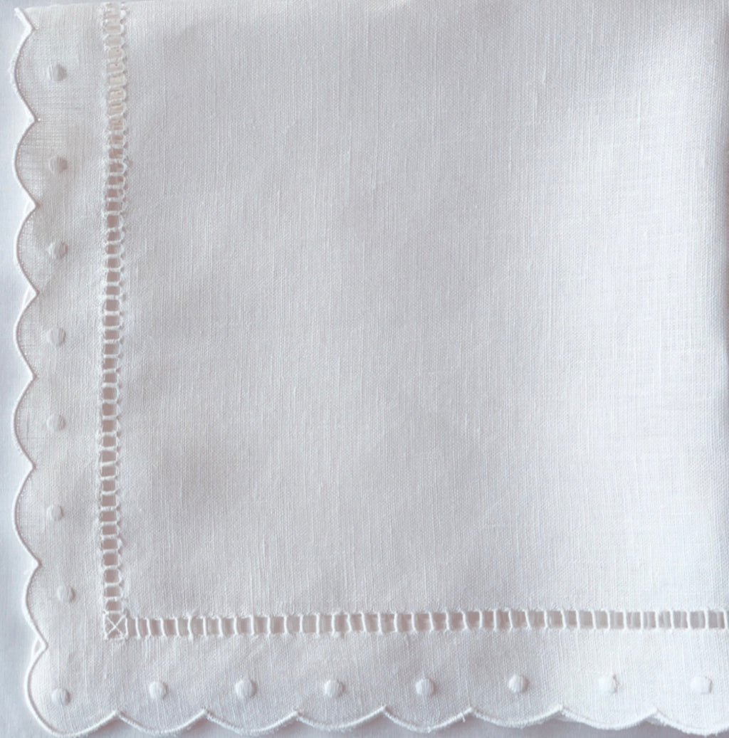 White Scalloped and Dot Napkin
