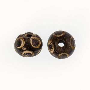 Bone 11mm rnd bead in a bead antique 4p