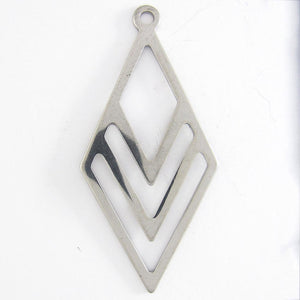 Stainless steel 40mm geometric pendant 1