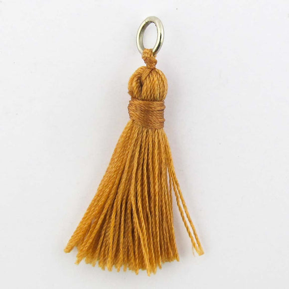 Thread 30mm Tassel almond 4pcs