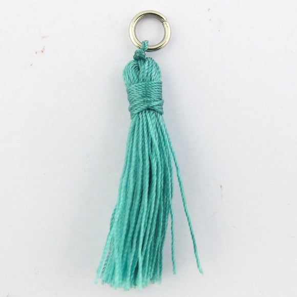 Thread 30mm Tassel hemlock 4pcs