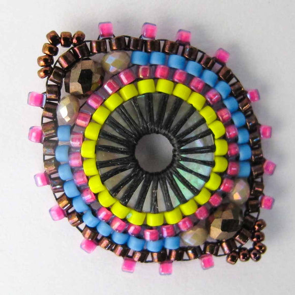 Delica 33mm Mandala link hot pink 1pc