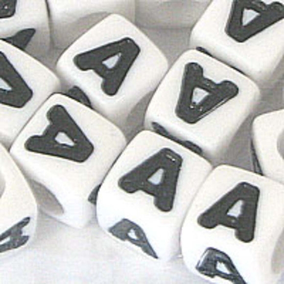 Plas 7mm cube black/white letter A 20pcs