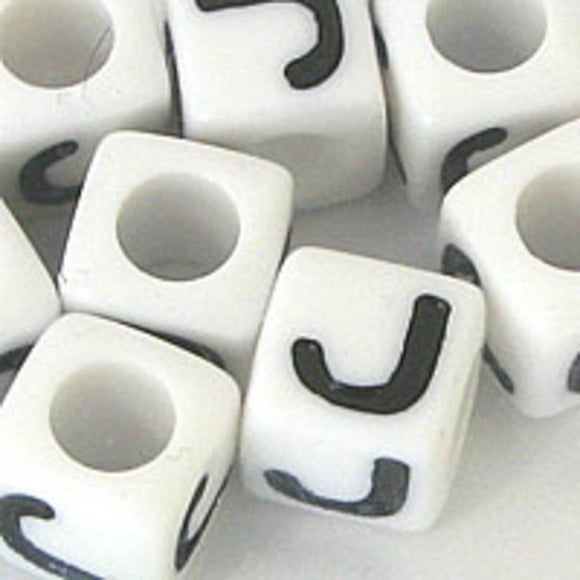 Plas 7mm cube black/white letter J 20pcs