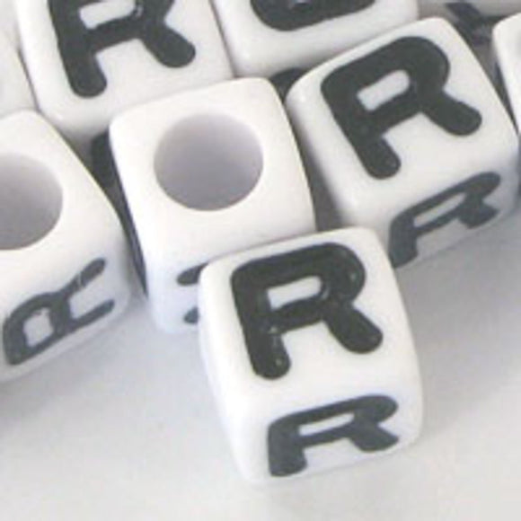 Plas 7mm cube black/white letter R 20pcs