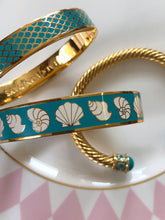 Load image into Gallery viewer, Halcyon Days Shells Turquoise Cream & Gold Bangle