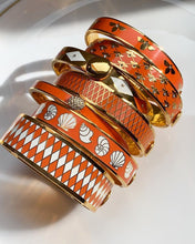Load image into Gallery viewer, Halcyon Days Shells Orange Cream & Gold Bangle