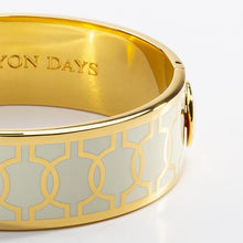 Load image into Gallery viewer, Halcyon Days Geometric Circle Cream & Gold Bangle