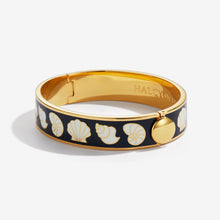 Load image into Gallery viewer, Halcyon Days Shells Black Cream & Gold Bangle