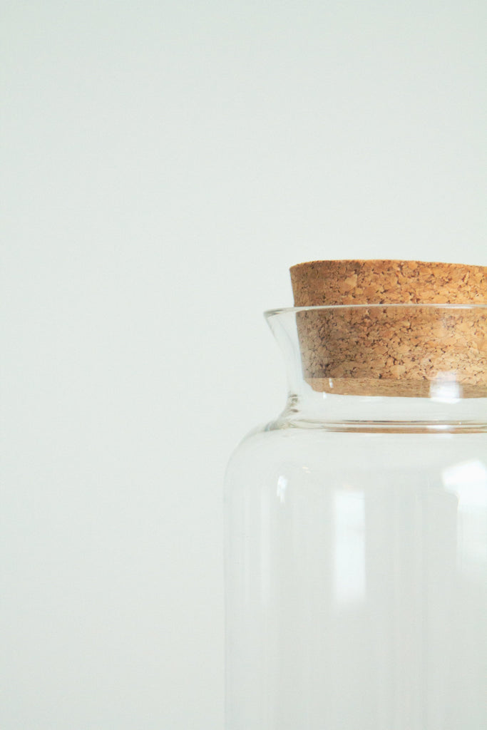 Vintage 70s glass and cork pasta jar