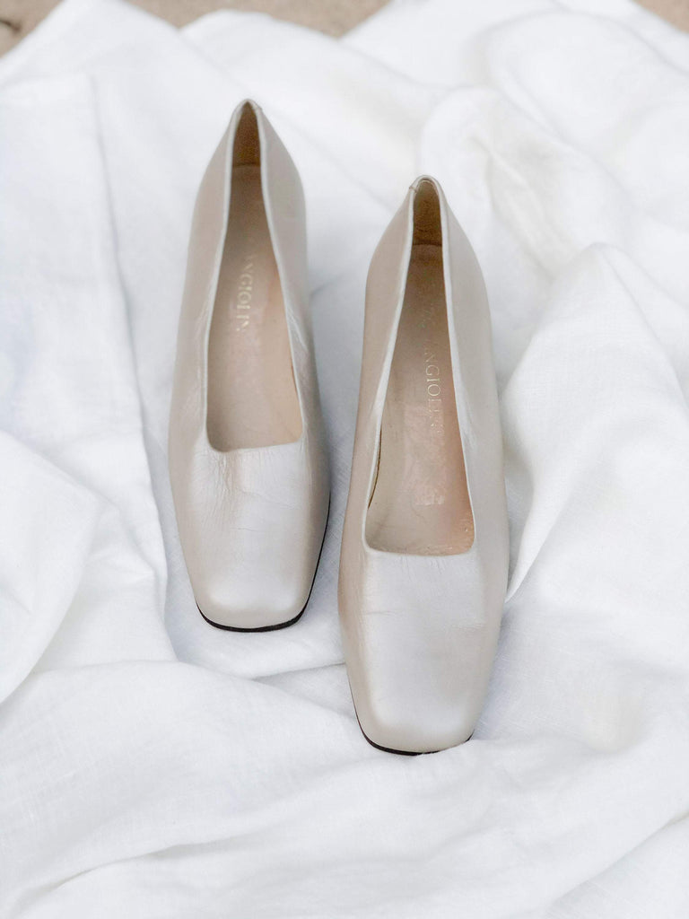 Vintage pearlescent taupe leather square toe pumps// 8.5N