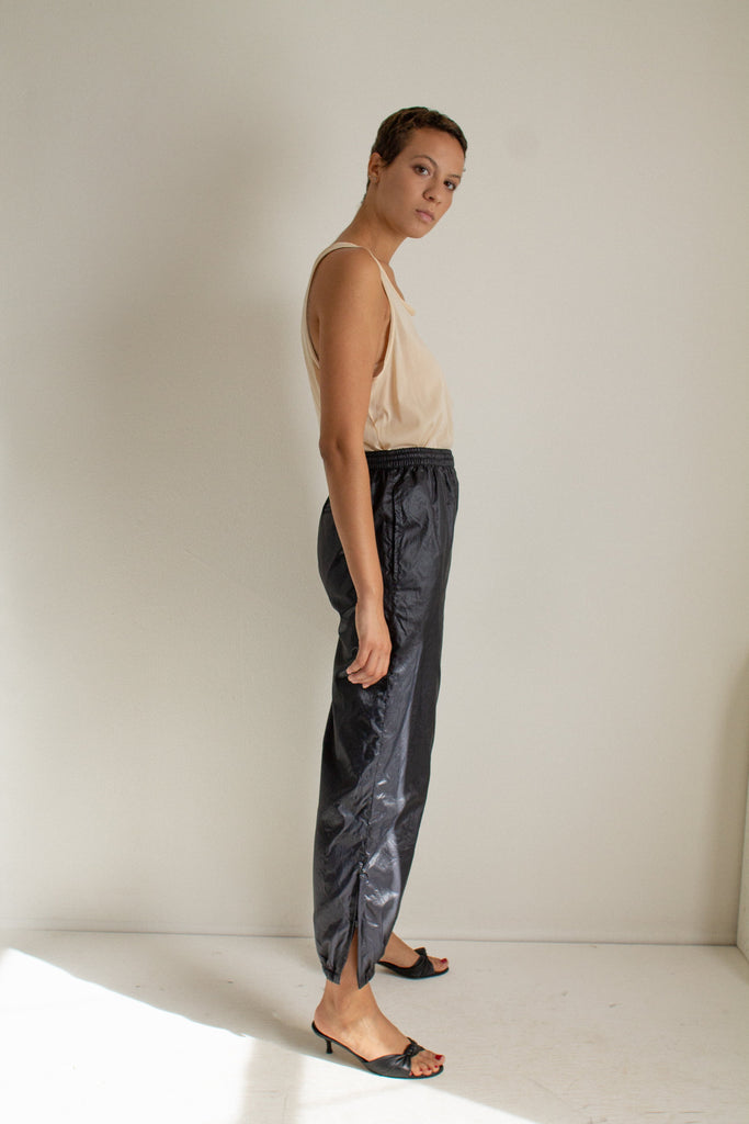 Vintage black shiny athletic pants // M