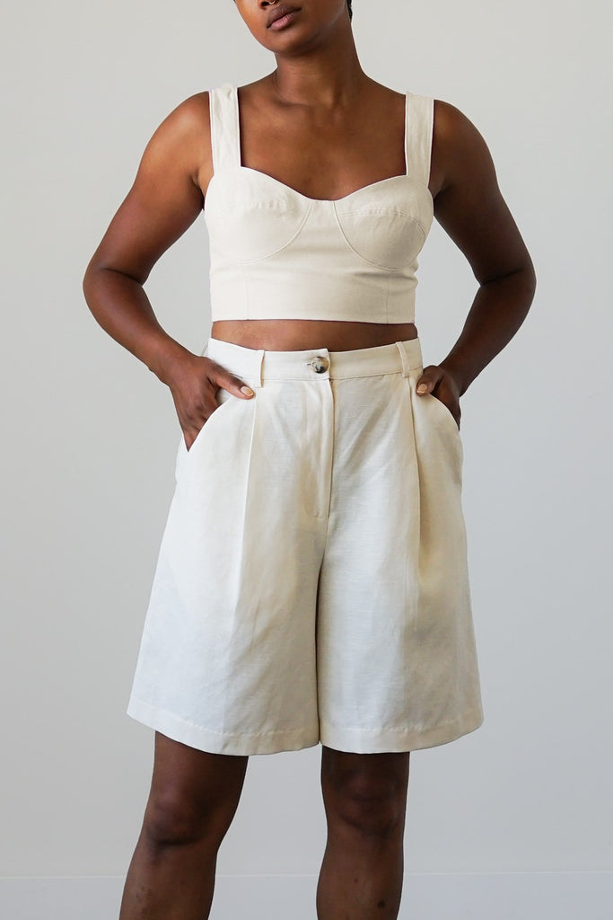 Lido Shorts in Dove