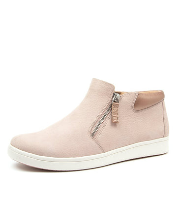 Women's Ziera Destiny in Seashell Nubuck Leather sku: ZR10061NGEAJ