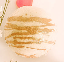 Load image into Gallery viewer, Almond Rum Cake Bath Bomb