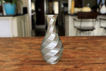 Load image into Gallery viewer, geometric vase in silver