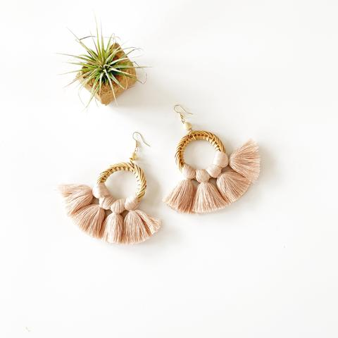 SUMMER RATTAN AND FAN FRINGE EARRINGS - BLUSH