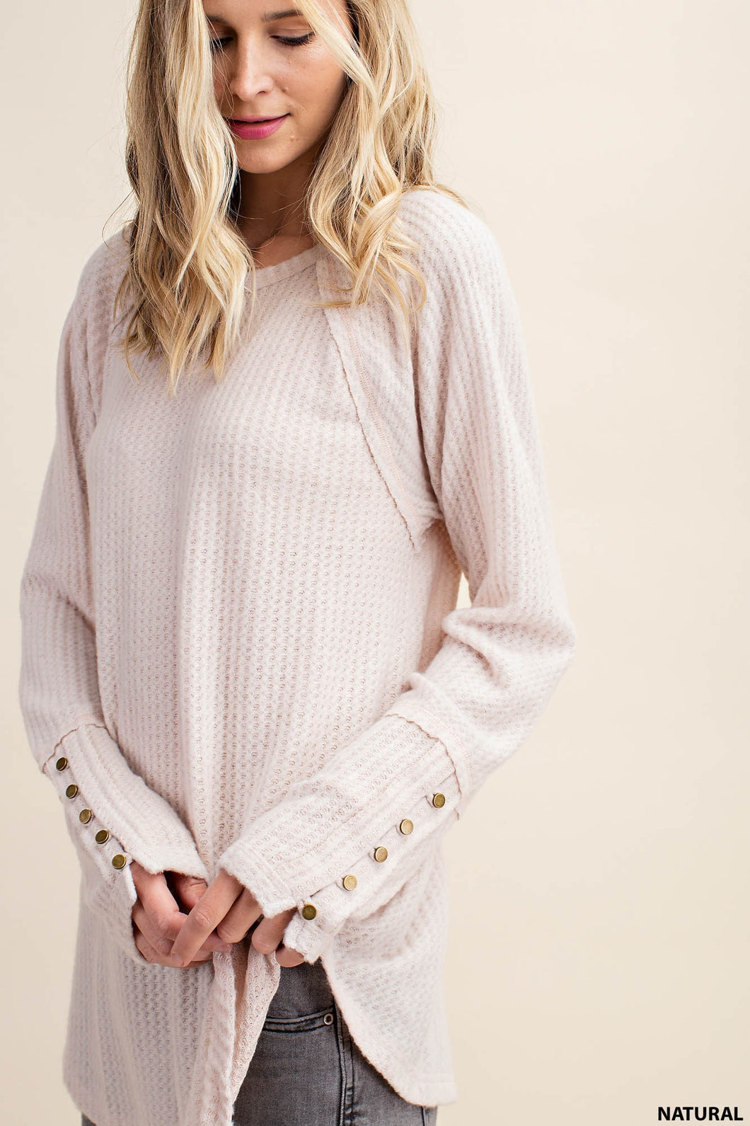 BUTTON SLEEVE BRUSHED WAFFLE TOP