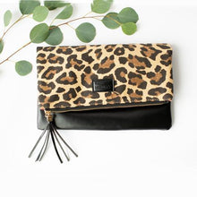Load image into Gallery viewer, FOLDOVER LEOPARD CLUTCH