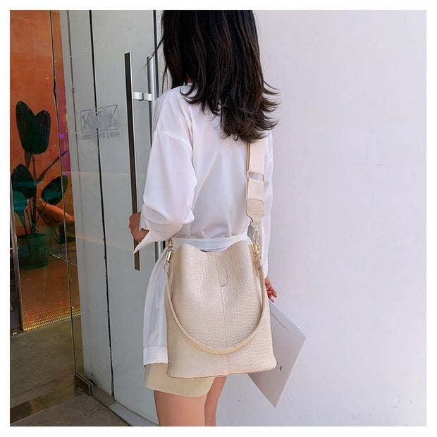 Bucket Bag im Kroko Look - Bobsel