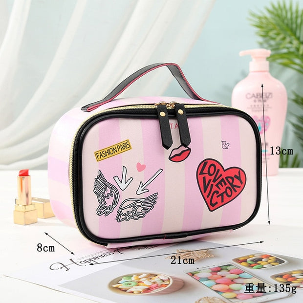 "Make-up Case ""Love"" - Bobsel"