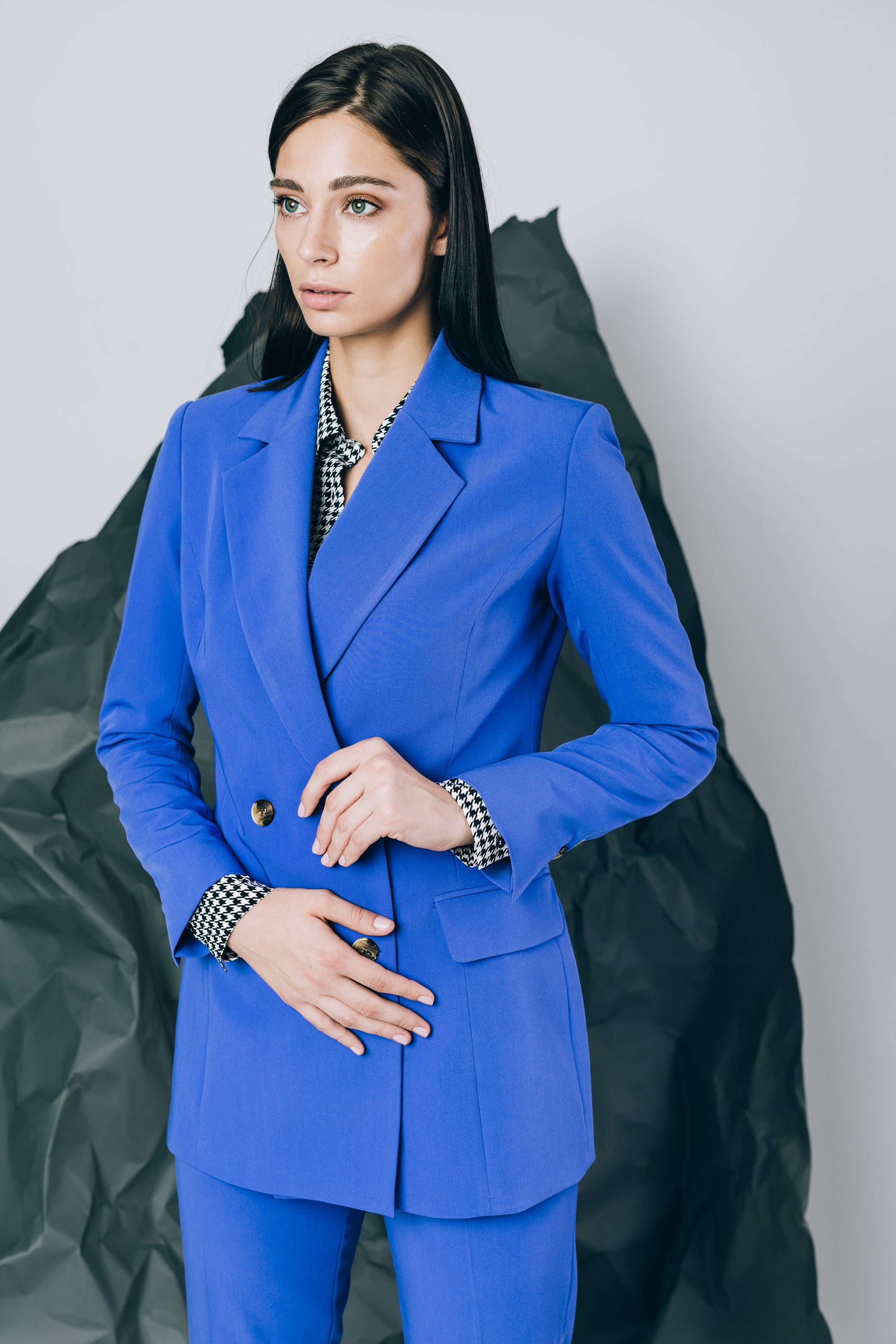 Double-breasted blazer in spectrum blue
