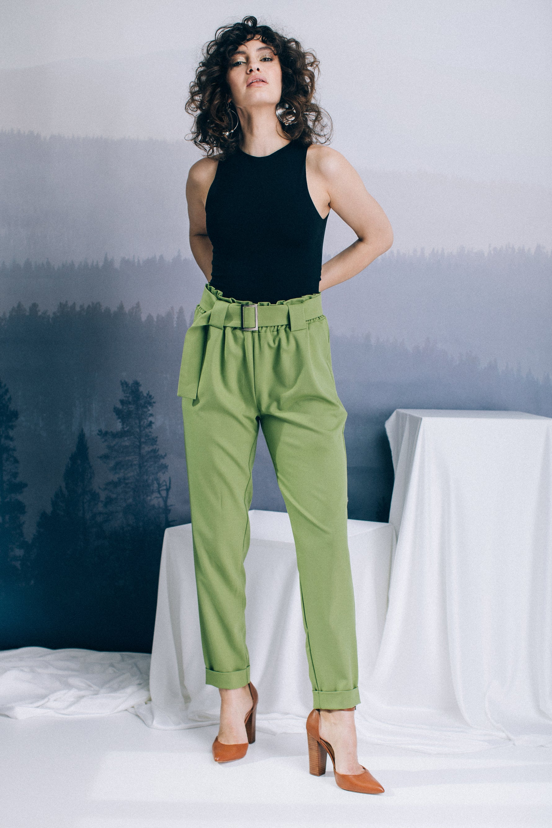 Belted baggy paperbag trousers with side pockets