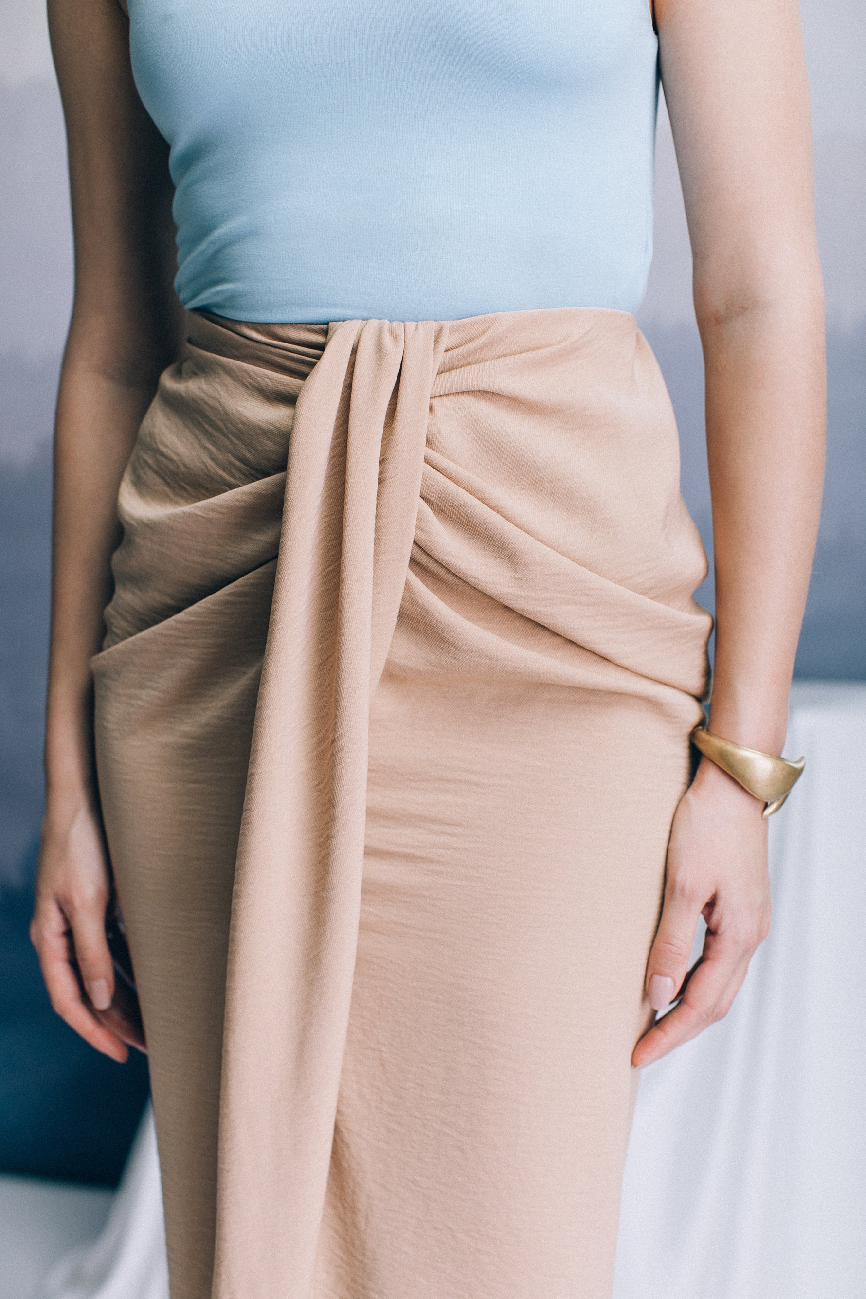 Camel midi skirt with knot