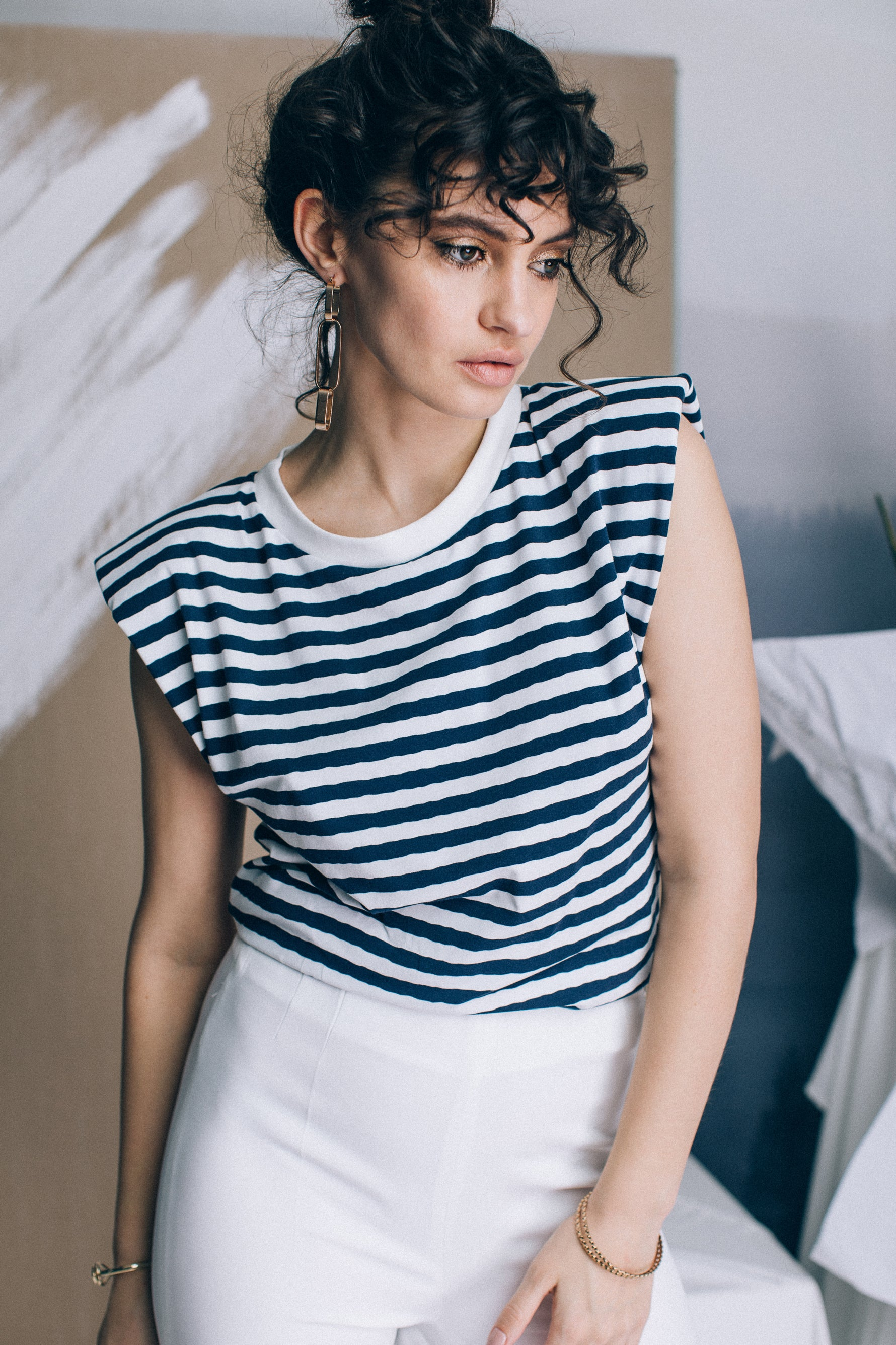 Striped cotton t-shirt with shoulder pads
