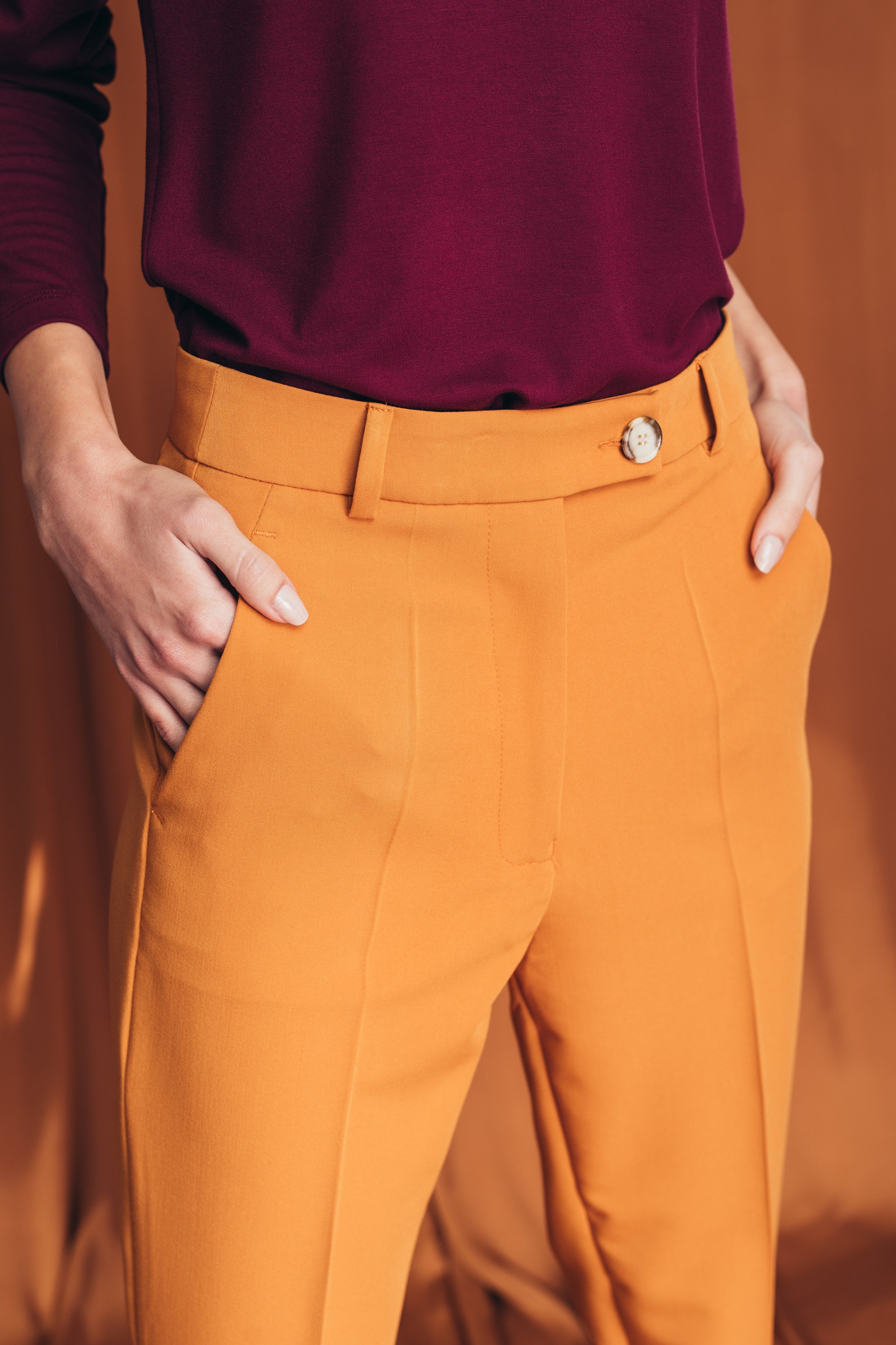 High-waist cigarette trousers in inca gold