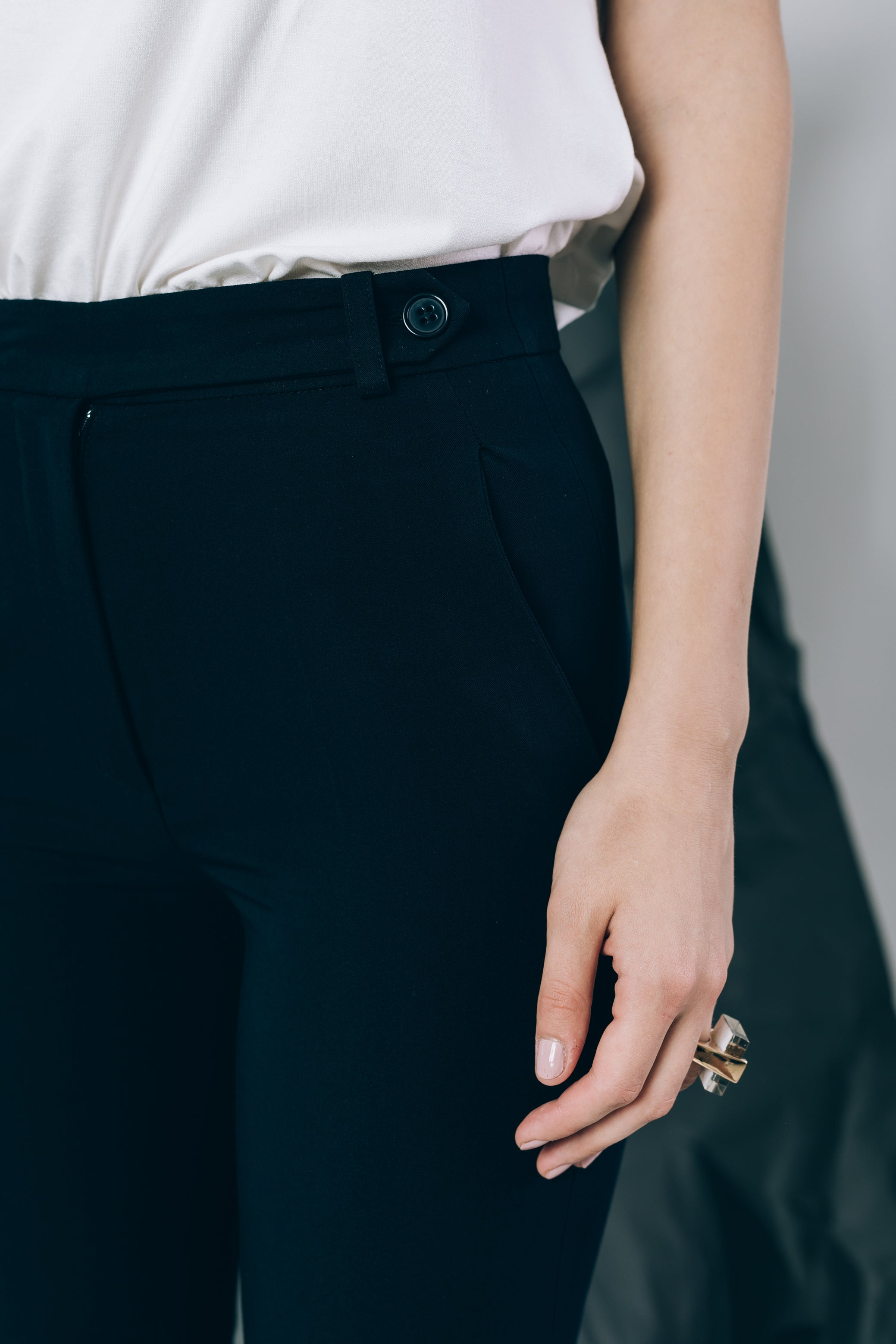 High-waist cigarette trousers