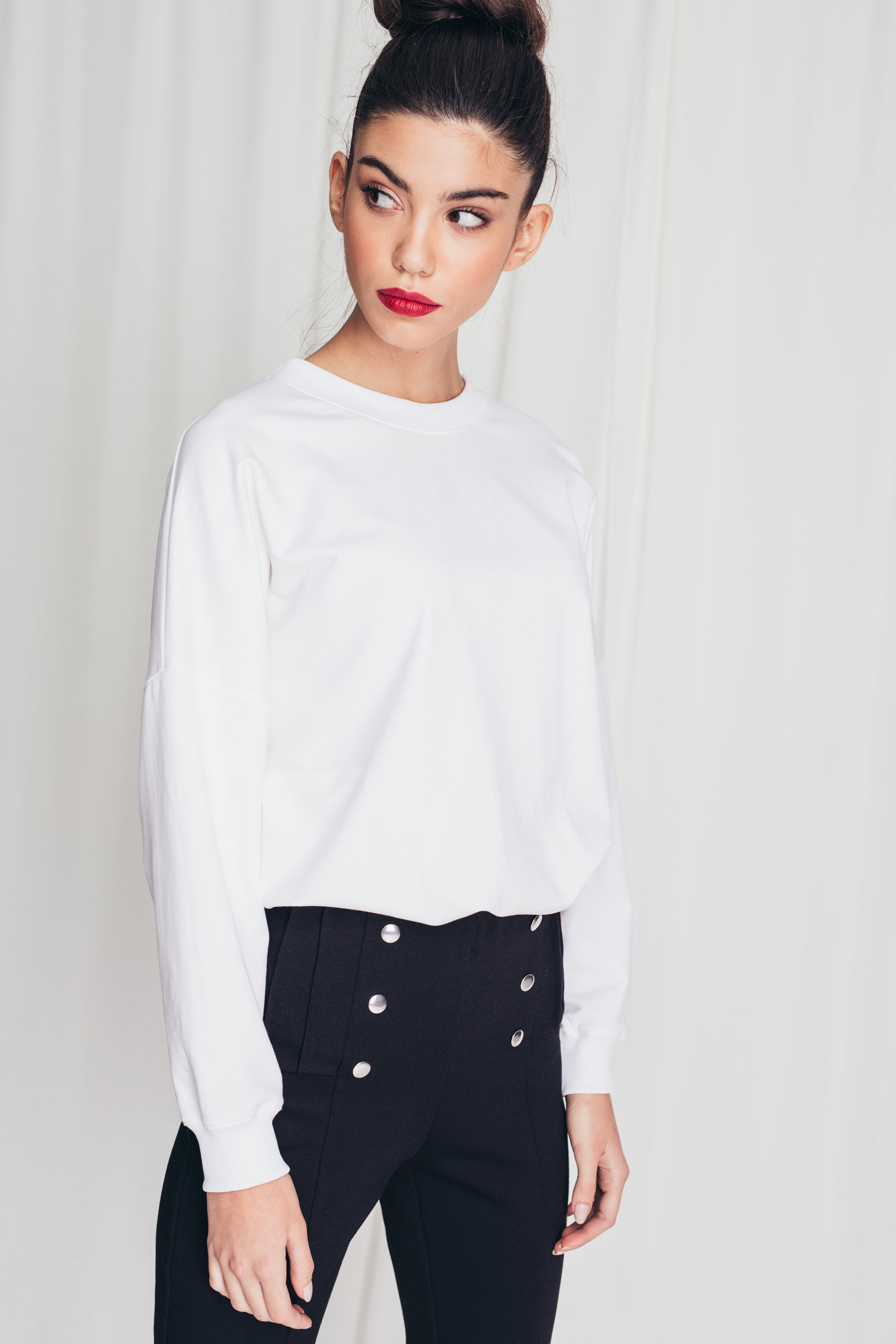 Round neckline cotton sweatshirt