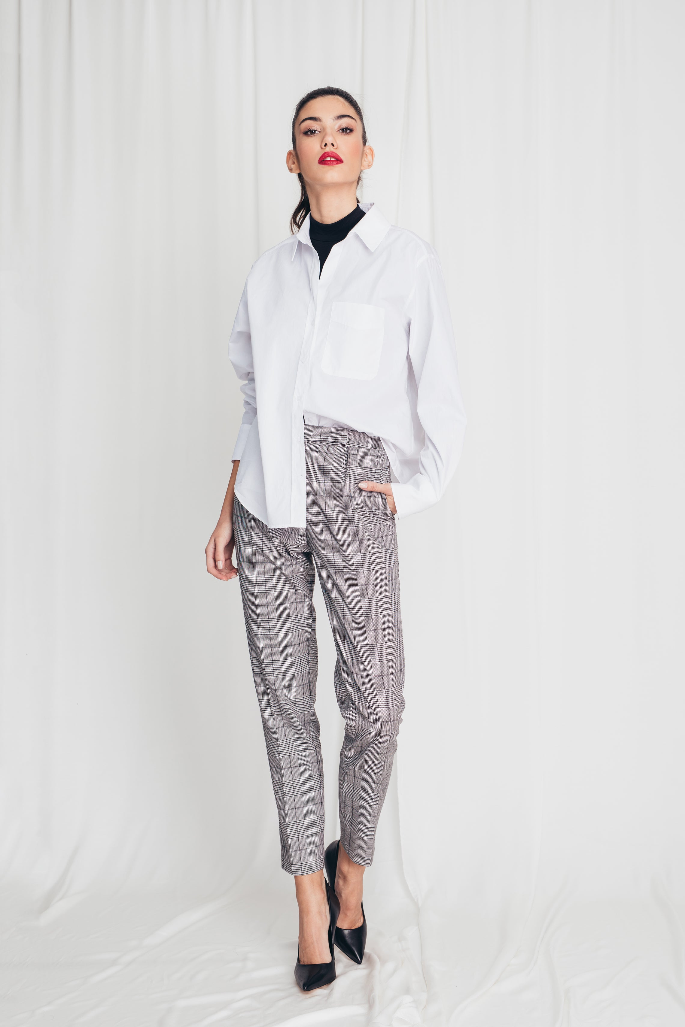 High-waist cigarette trousers in check print