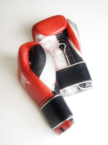 Limited Edition Customs SuperSoft-Hook and Loop - Sabas boxing gloves