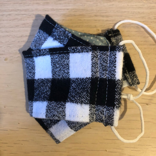 Black and white flannel box pleat mask