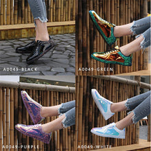 Load image into Gallery viewer, Glitter Flats Sneakers Bling Shinny Casual Women Shoes 2019 New Fashion Ladies Fluorescent Flat Shoe Glossy Golden Color - Vipbeautycompany
