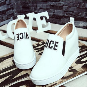 Women's Sneakers Party Heels Wedge Heel Closed Toe Buckle Pigskin Comfort Spring & Summer White / Black / Red - Vipbeautycompany