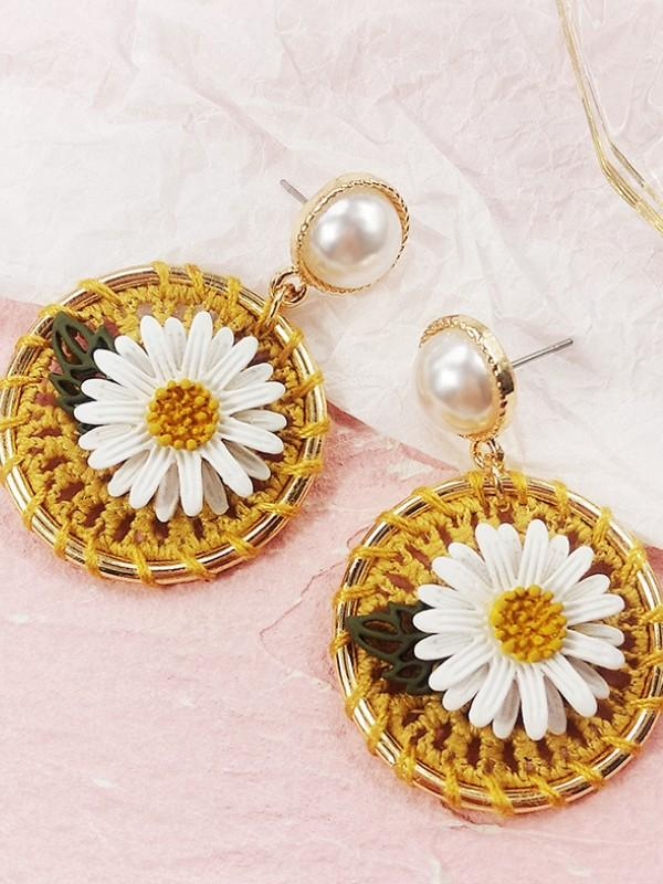 Sterling silver small daisy hand-woven earrings