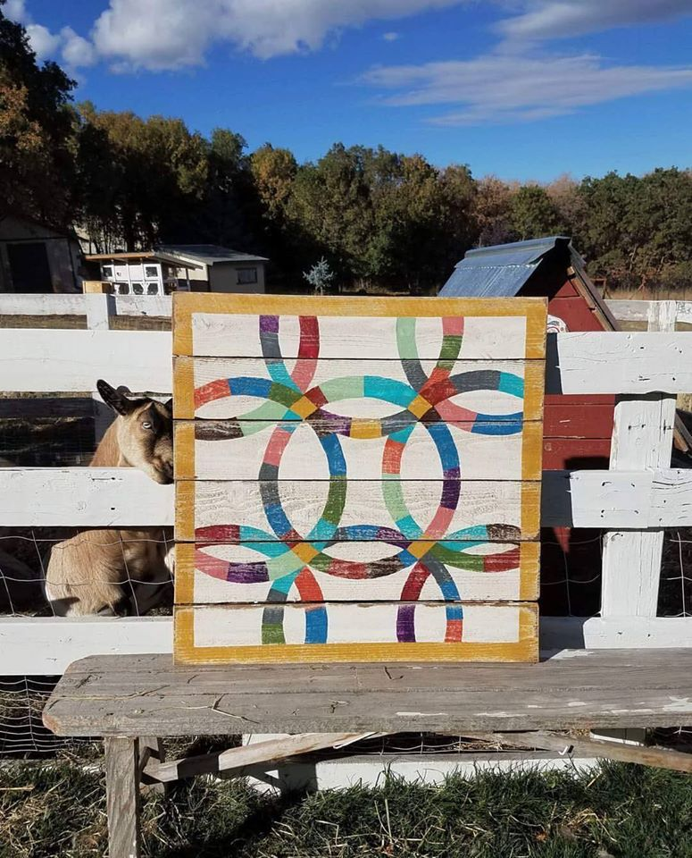 Double Wedding Ring Barn Quilt