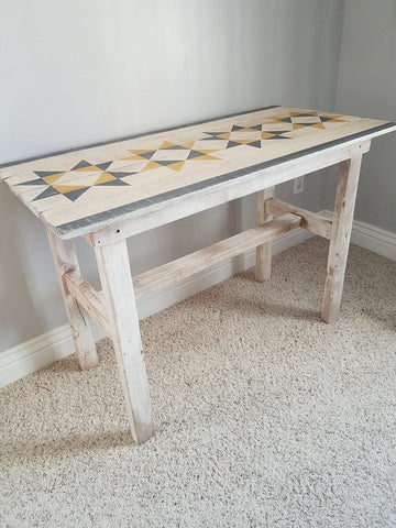 Farmhouse Barn Quilt Table